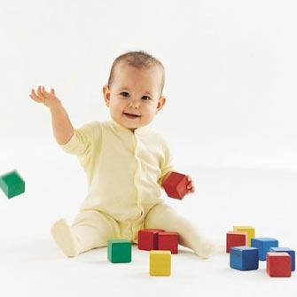 Desarrollo físico y mental de un bebé de seis meses